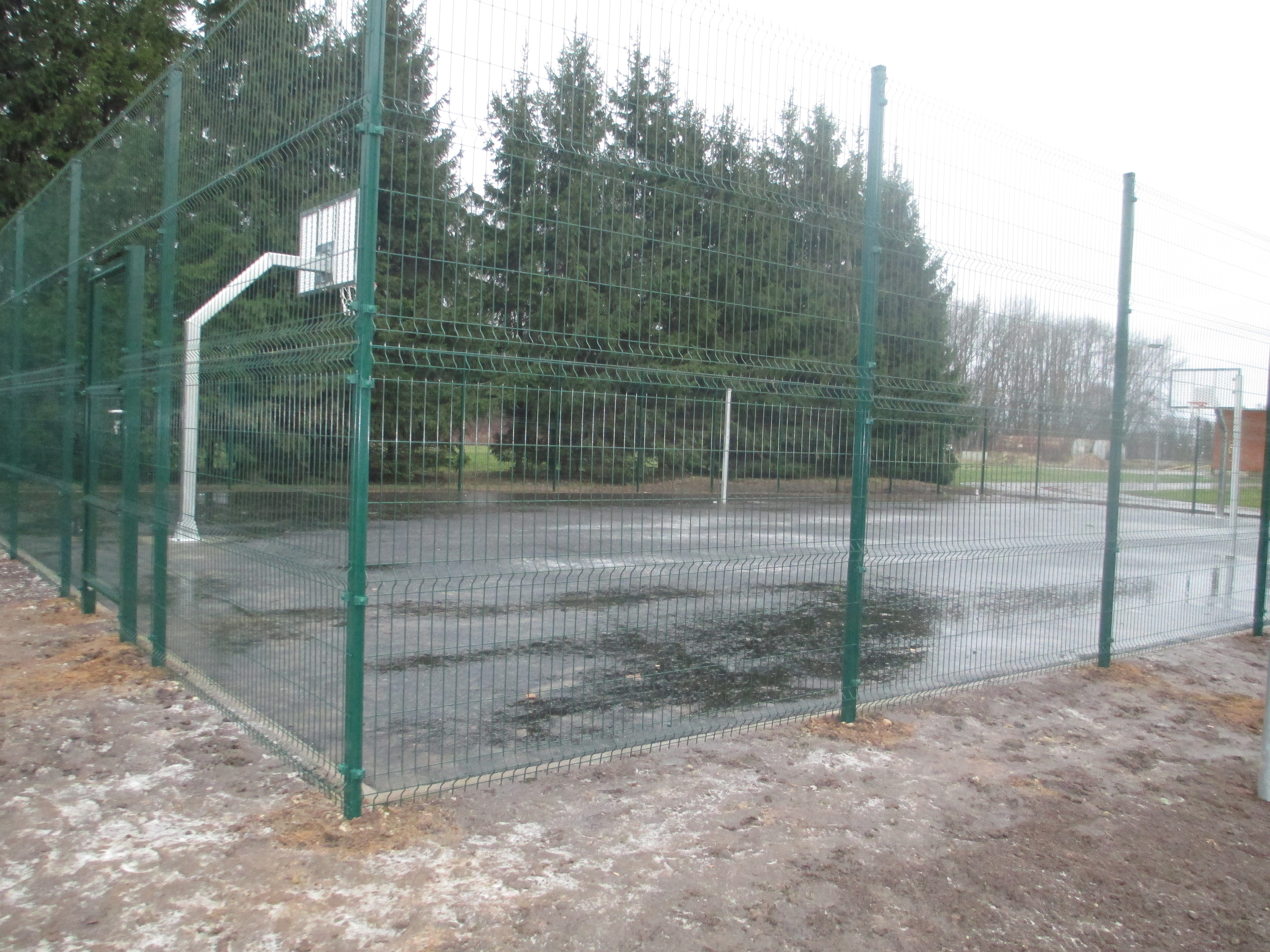 WELDED WIRE MESH FENCE - Tommi